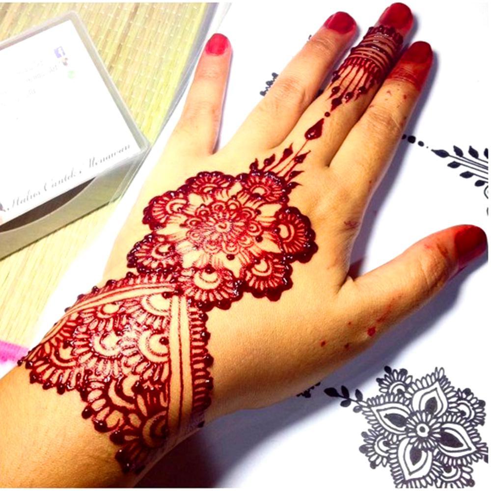 pintura corporal con henna